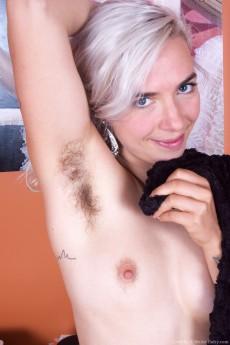 Cordelia_HairyArmpitsTease_105