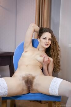 Ginger_BlueChair_128