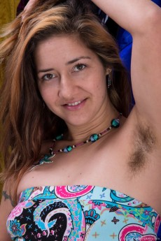 WeAreHairy Isabel Gets Naked And FIngers Her Hairy Pussy