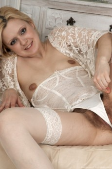 JessiGreen_WhiteBlouseWhiteStockings_0321