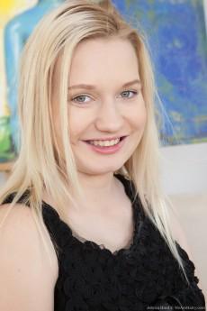 Jessica Hard