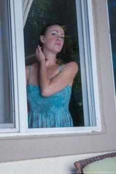 Lindsay-VeronicaSnow_LesbianHardcoreOutdoors_005