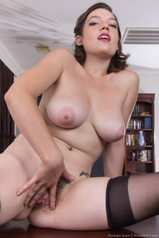 MystiqueJones_SexySecretary_114