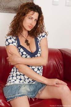 Yvette from WeAreHairy.com