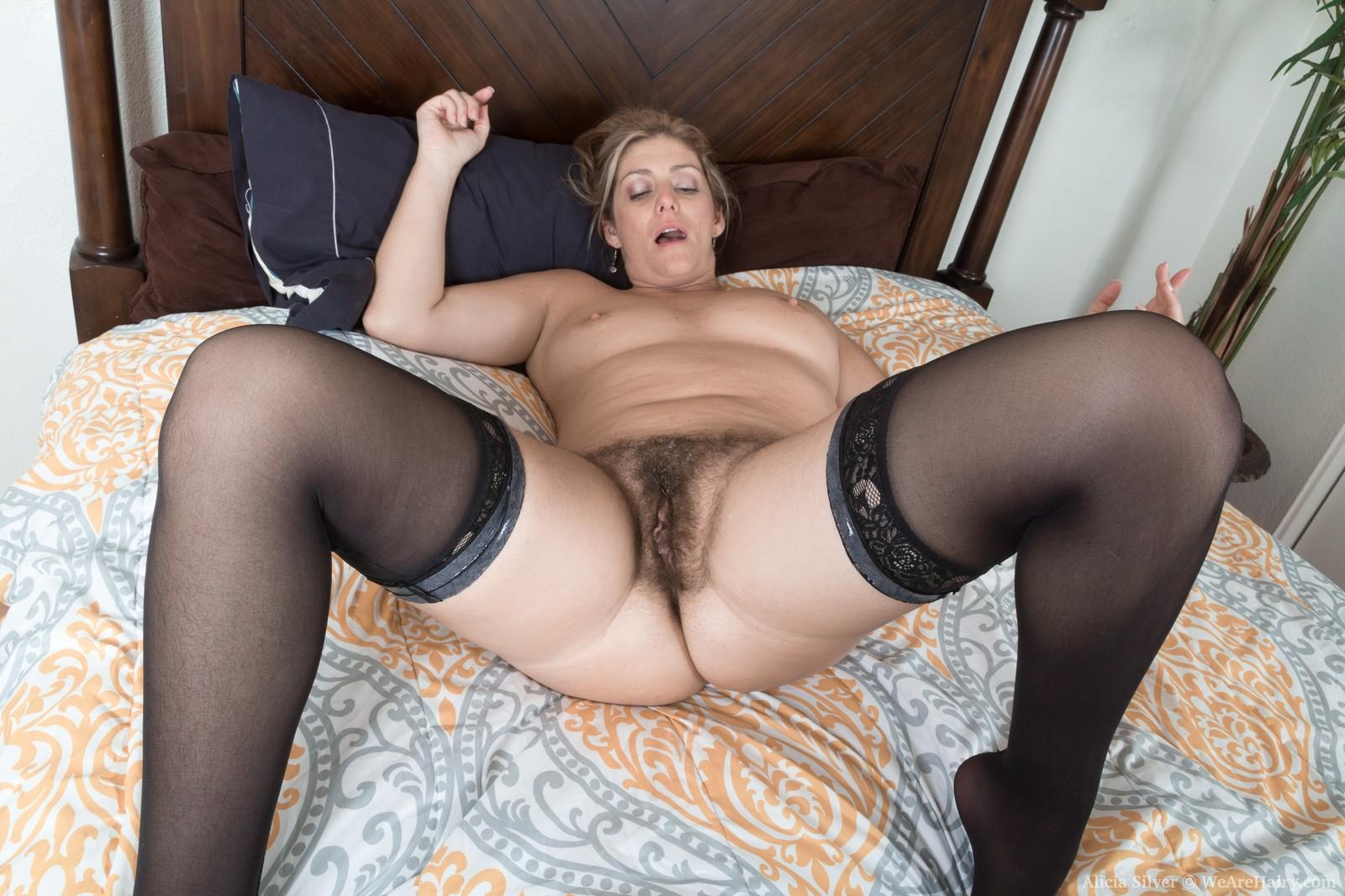 alicia-silver-has-hot-sex-in-her-bedroom16.jpg