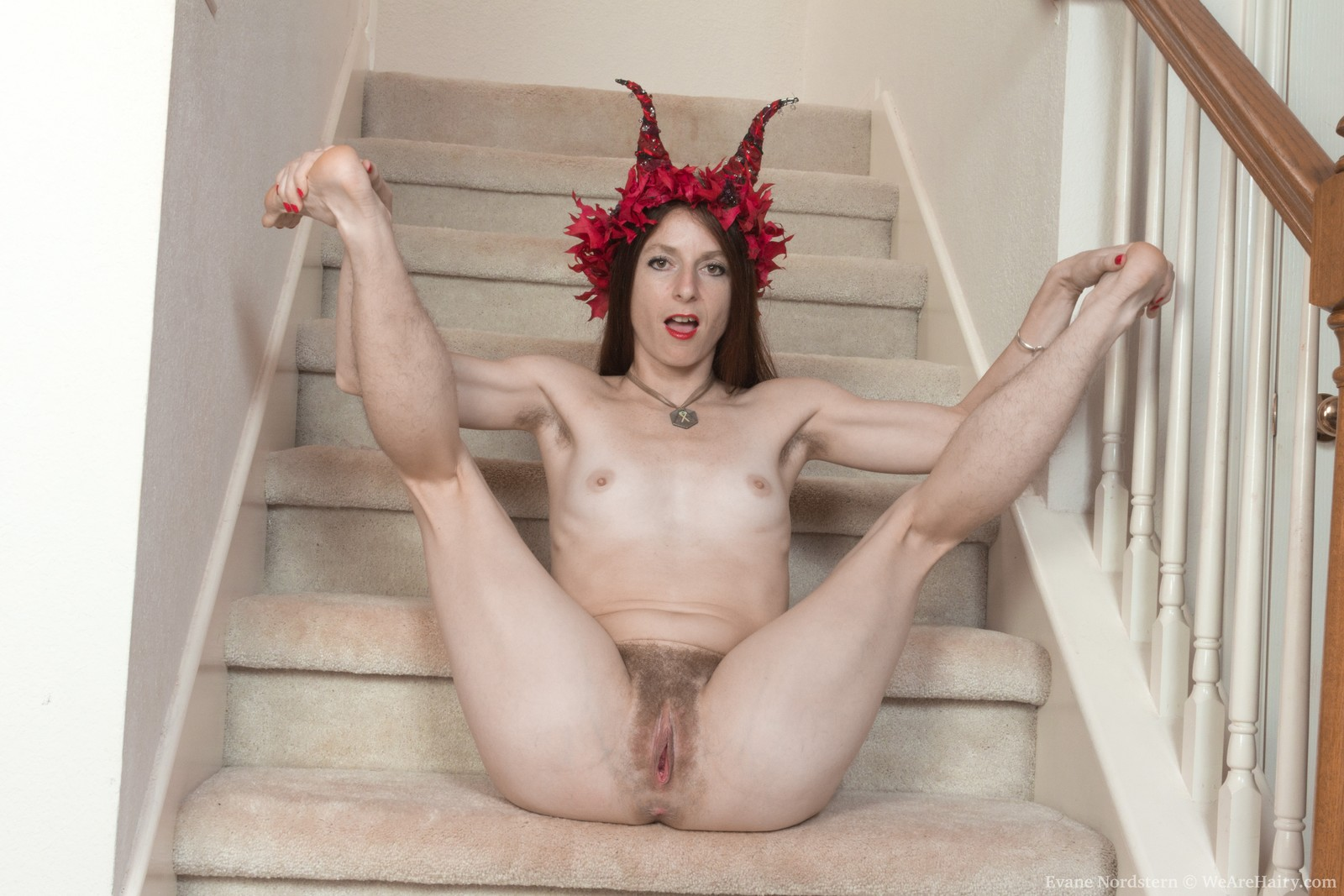 evane-nordstern-strips-naked-on-her-staircase14.jpg