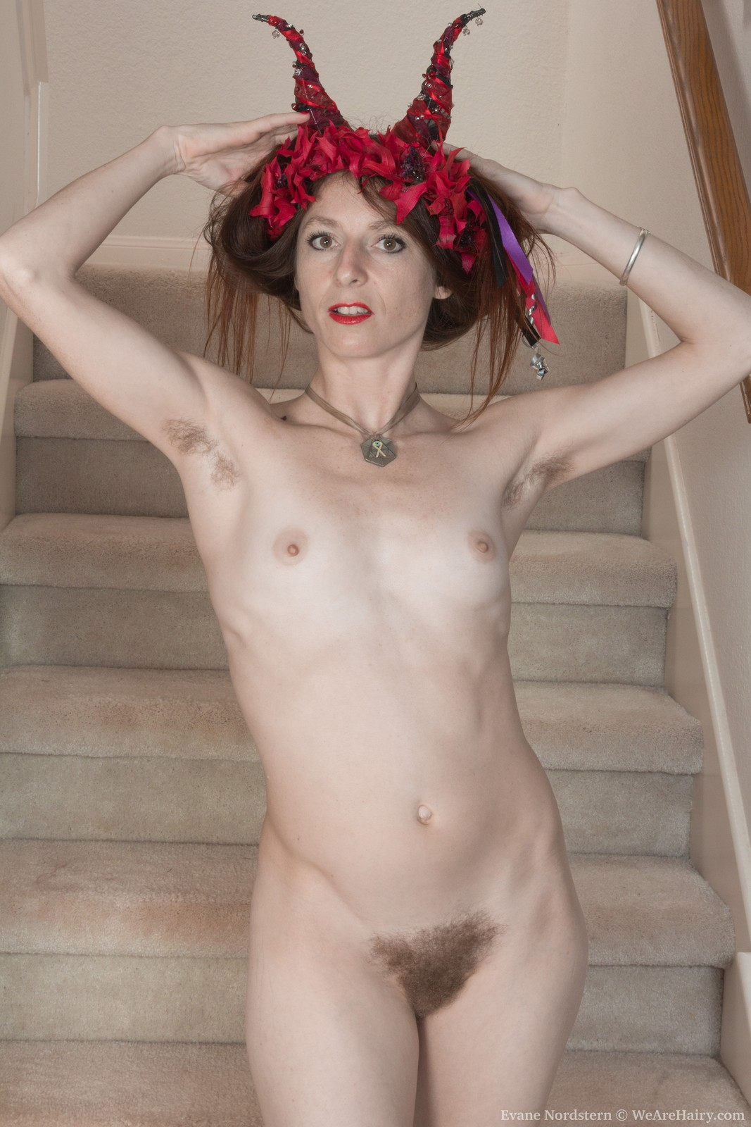 evane-nordstern-strips-naked-on-her-staircase9.jpg