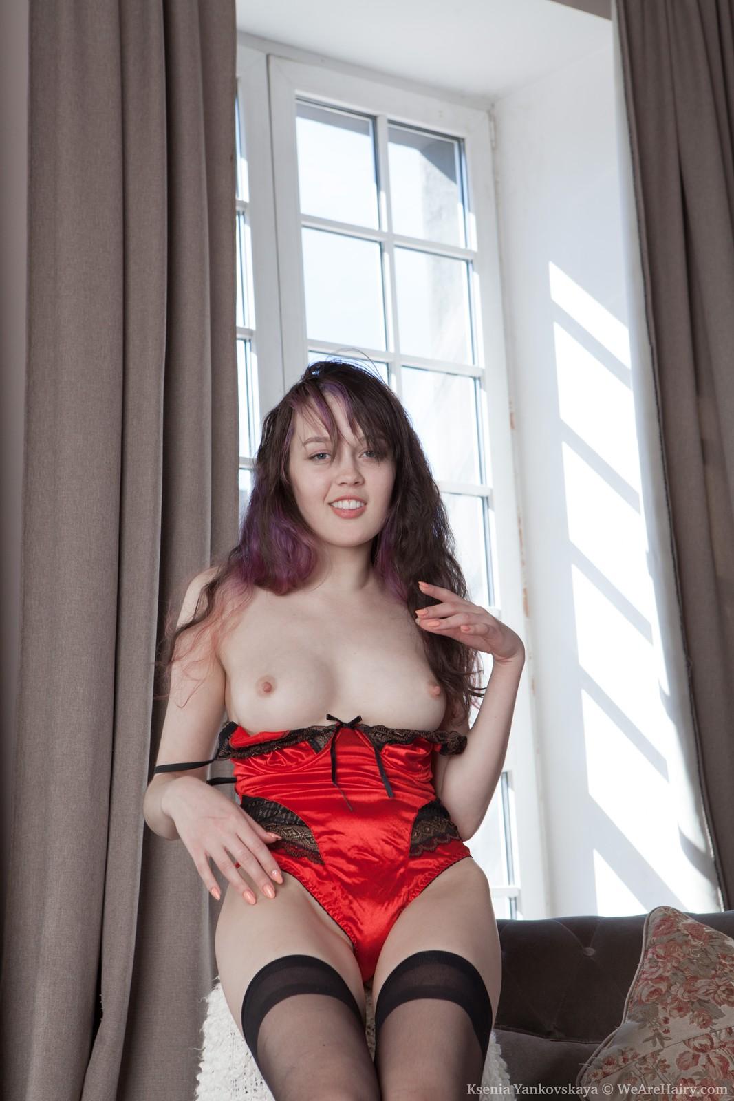 ksenia-yankovskaya-takes-off-her-red-lingerie6.jpg