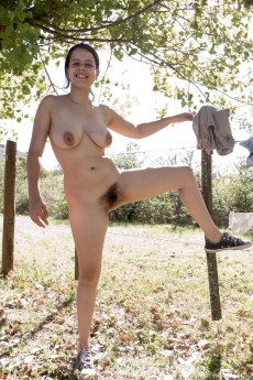 wpid-akito-enjoys-her-outdoor-garden-naked-and-sexy7.jpg