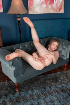 wpid-alice-wonder-gets-naked-in-her-private-blue-room12.jpg