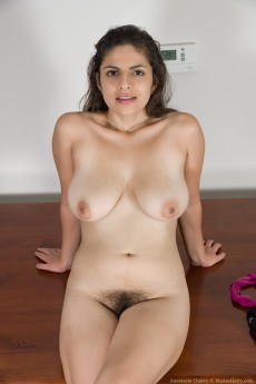 wpid-anastasia-cheery-gets-naked-on-her-wood-table9.jpg