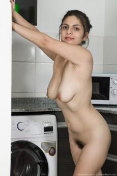wpid-anastasia-cherry-enjoys-stripping-in-kitchen7.jpg