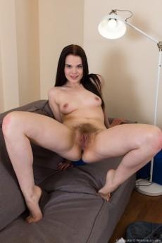 wpid-ella-martin-undresses-on-her-sofa8.jpg