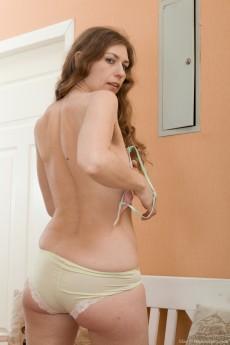 wpid-elza-strips-naked-on-her-nearby-white-bench4.jpg