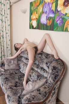 wpid-halmia-takes-off-tights-in-her-living-room9.jpg