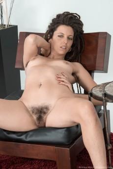wpid-jazmine-skye-strips-naked-on-her-armchair10.jpg