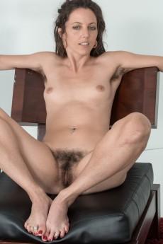 wpid-jazmine-skye-strips-naked-on-her-armchair16.jpg
