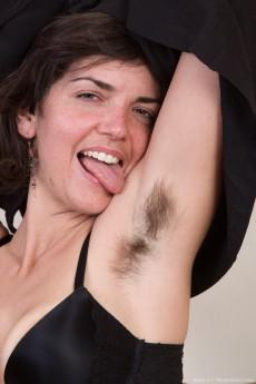 wpid-katie-z-undresses-from-her-black-dress-in-bed10.jpg
