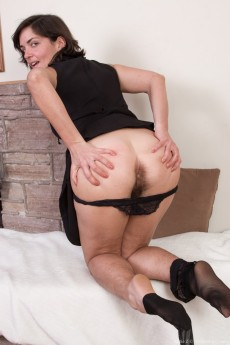wpid-katie-z-undresses-from-her-black-dress-in-bed8.jpg