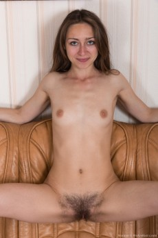 wpid-morana-gets-naked-by-her-couch-looking-sexy10.jpg
