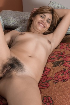 wpid-olivia-strips-naked-and-shows-off-body-on-a-sofa9.jpg