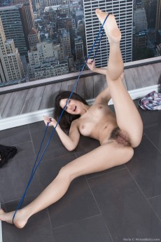 wpid-pavla-strips-nude-and-then-does-naked-jump-roping9.jpg