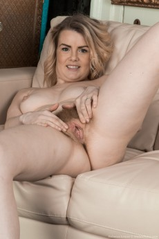 wpid-rebecca-louise-strips-naked-on-her-couch8.jpg