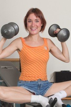 wpid-ruby-rose-exercises-and-strips-naked-for-us-to-see2.jpg