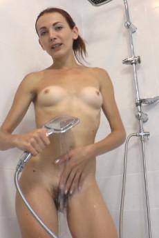 Scarlett Nika