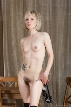 wpid-the-russian-blonde-sandy-may-is-exotic-and-hairy10.jpg