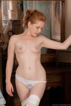 wpid-tia-jones-slides-off-white-lingerie-to-get-in-bed7.jpg