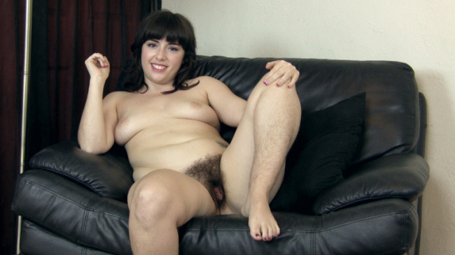 One of our favorite hairy babes Simone gives a sexy nude video interview