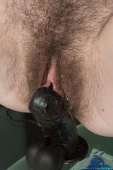 wpid-yana-cey-masturbates-with-her-black-vibrator11.jpg