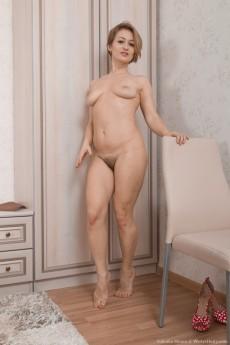 wpid-yulenka-moore-strips-off-denim-and-lingerie16.jpg